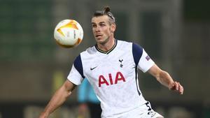 Bale controla el balón durante el partido contra el Ludogorets de Europa League.