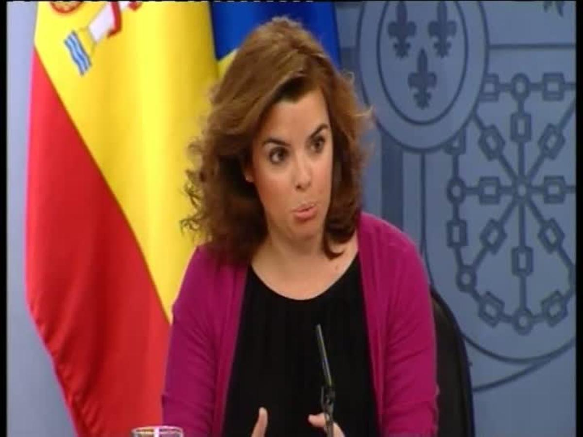 La vicepresidenta del Gobierno, Soraya Sáenz de Santamaría, ha anunciado hoy que la elección del presidente de RTVE será parlamentaria aunque ha explicado que no será necesario el consenso entre el PP y el PSOE.
