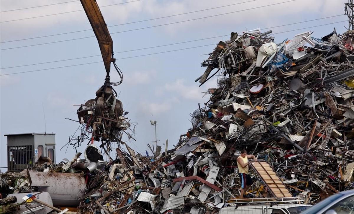 Los activos que no se venden para reutilizarse acaban siendo adquiridos como chatarra.