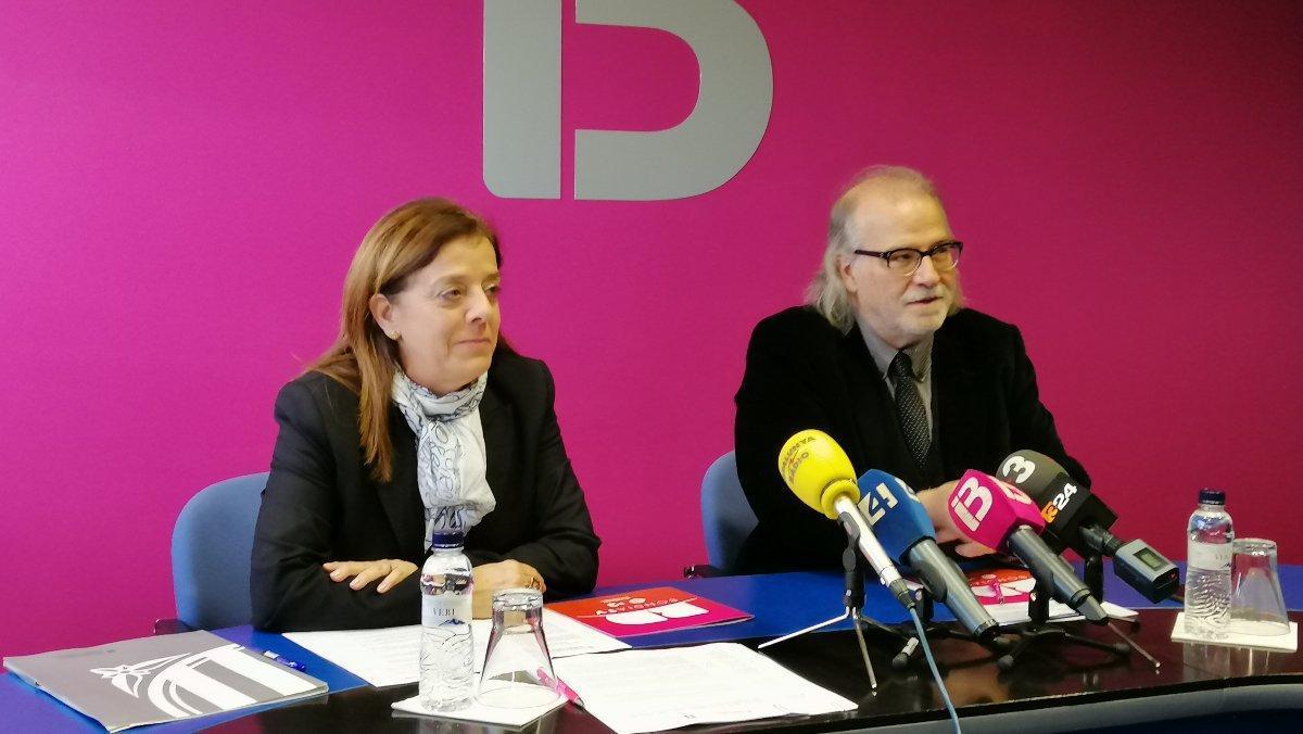 Núria Llorach, vicepresidenta de la CCMA, y Andreu Manresa, director de IB3, en la presentación del acuerdo de colaboración.