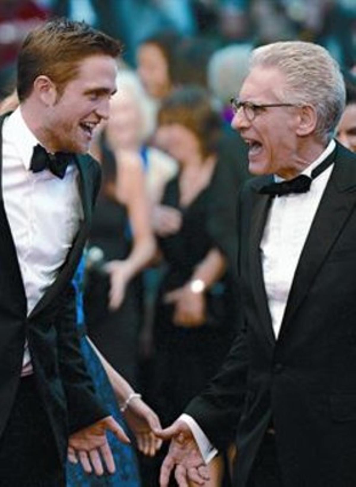 Robert Pattinson (izquierda) y David Cronenberg, anoche en la alfombra roja del festival de Cannes.