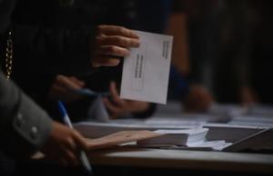 Barcelona 10 11 2019  Politica  Ambiente en colegio electoral durante la jornada de elecciones generales 2019  Fotografia de Jordi Cotrina