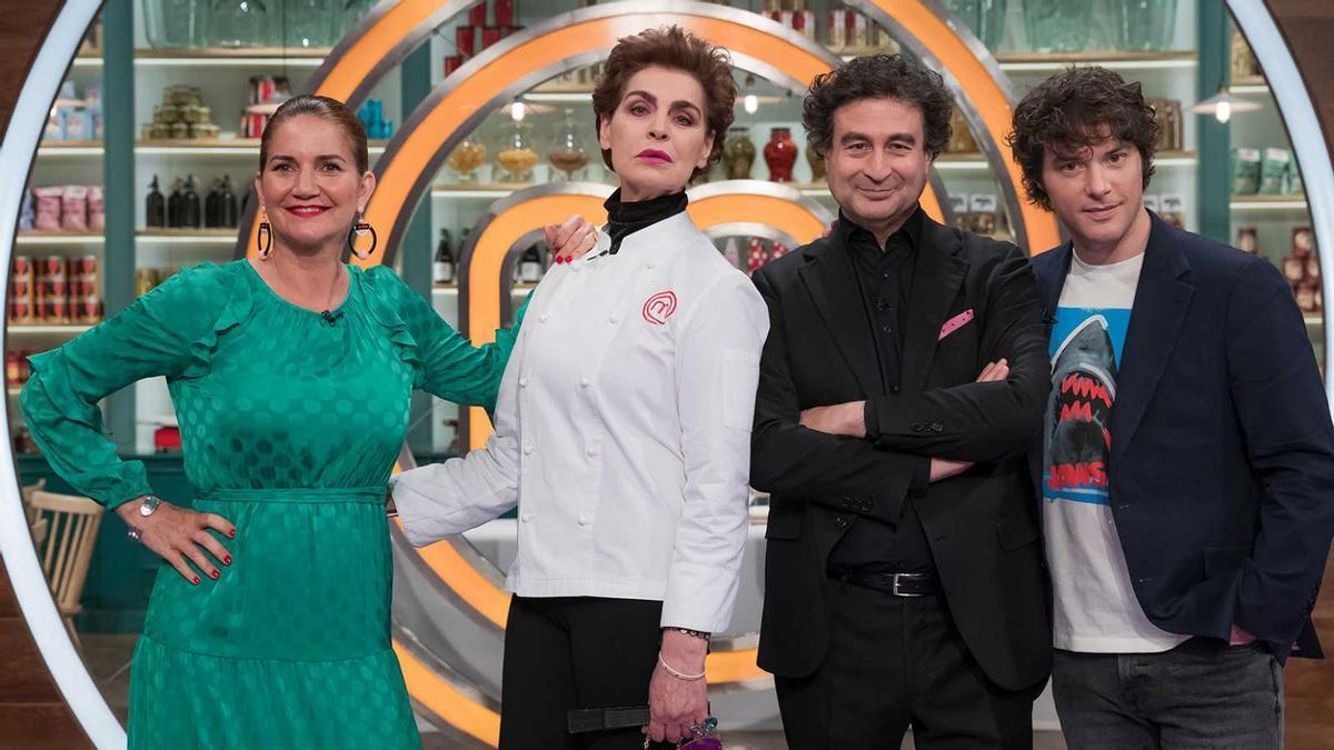 Antonia Dell'Atte visita las cocinas de 'Masterchef Celebrity'