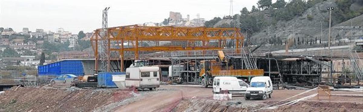 Las obras del AVE a su paso por El Papiol, en diciembre del 2004.