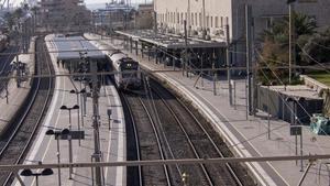 La estación de tren de la ciudad de Tarragona, este viernes, por la que dejan de pasar los trenes Avant.
