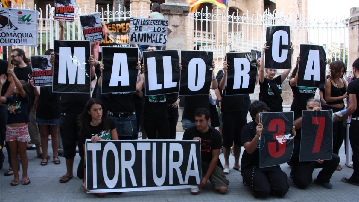 Baleares prohíbe matar y maltratar a los toros en las corridas