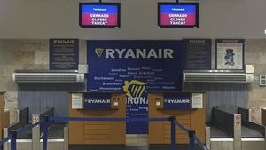 Els treballadors de Ryanair asseuen l'aerolínia a la banqueta