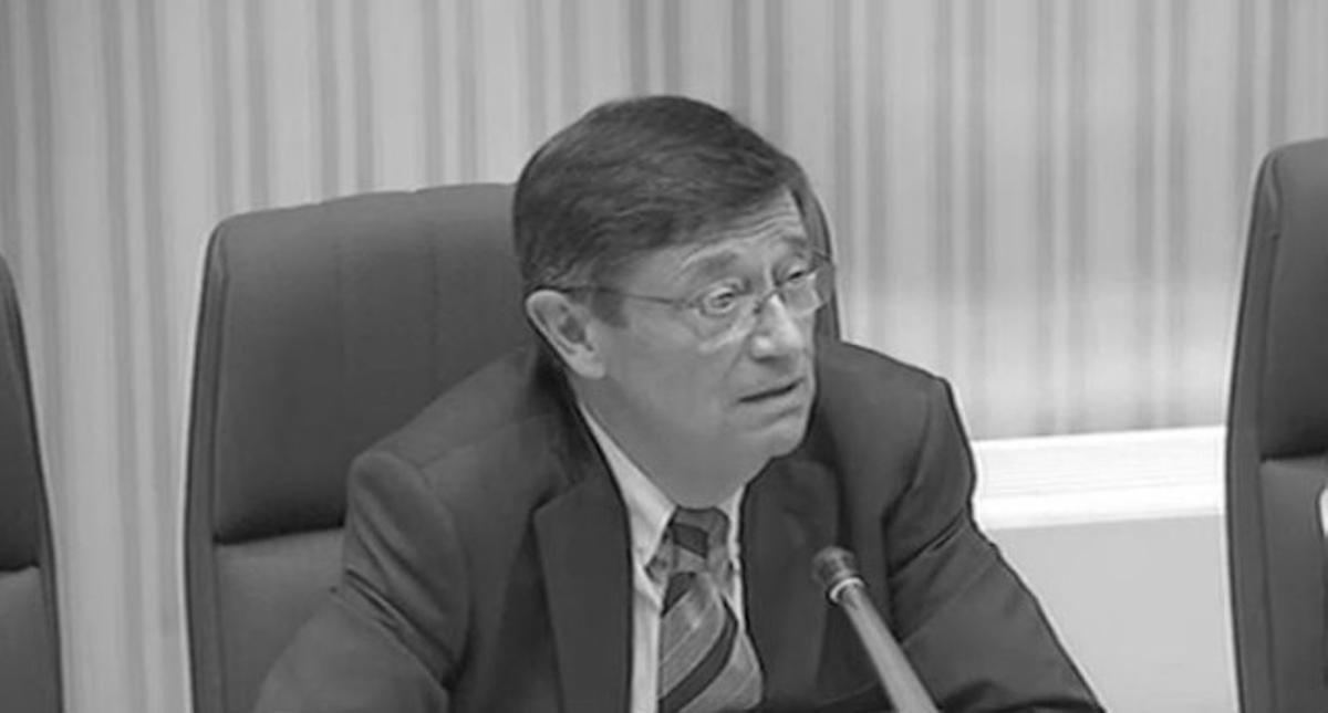 Josep María Loza, ex Director General de Caixa Catalunya en el Parlament.
