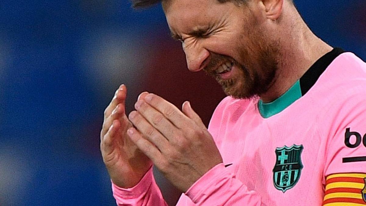 Messi, desesperado, en el Levante-Barça.