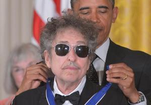 15 escriptors opinen sobre el Nobel a Dylan
