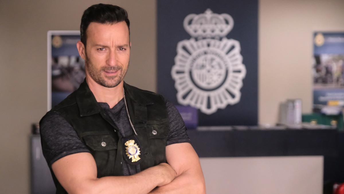 Pablo Puyol, caracterizado para la serie 'Servir y proteger'.