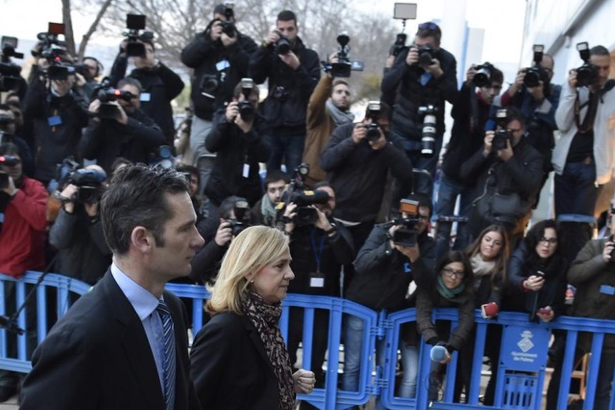 Llegada a los juzgados de Palma de la infanta Cristina y su esposo, Iñaki Urdangarin.