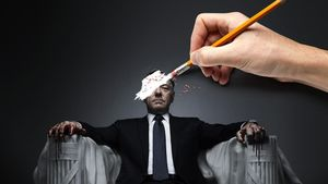 Fotomomtaje de un cartel promocional de la serie de Netflix 'House of cards', con su ya exprotagonista, Kevin Spacey.