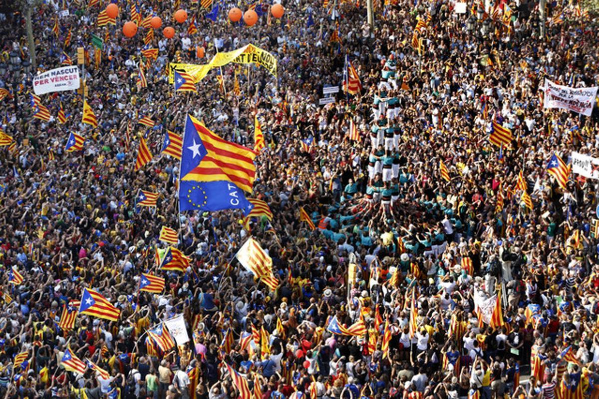 Imagen de la manifestación a la altura de paseo de Gràcia con Gran Via.
