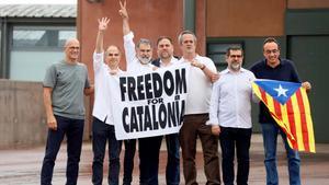 Los presos del 'procés' abandonan la cárcel tras el indulto del Gobierno.