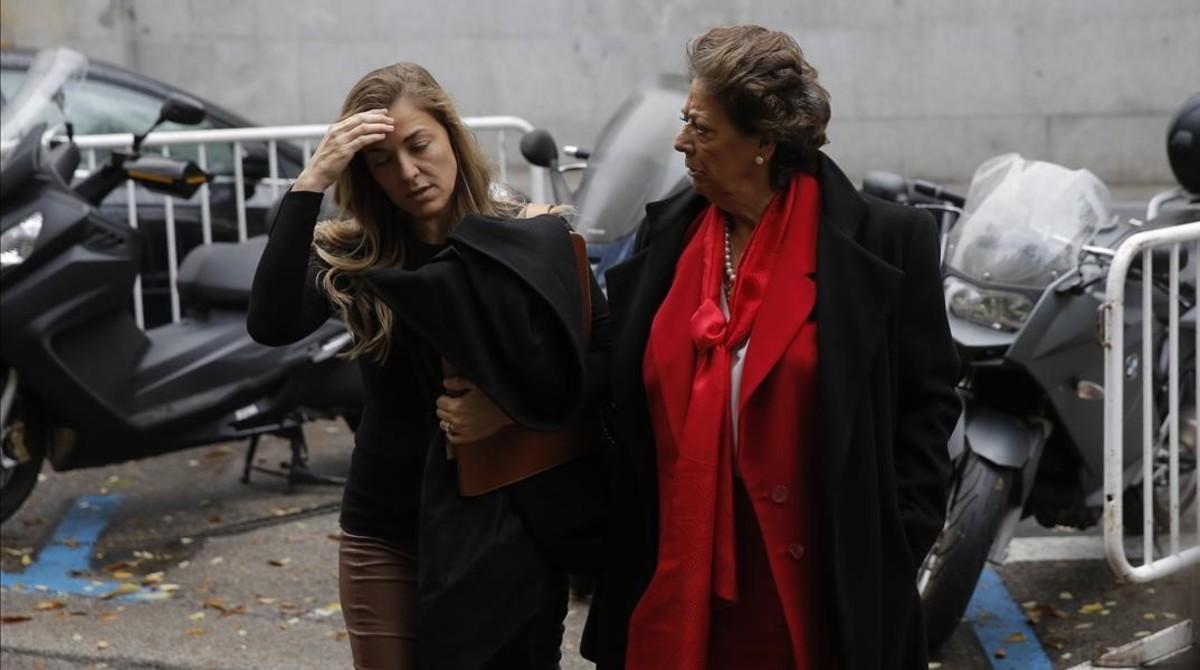 Rita Barberá a la entrada del Tribunal Supremo.