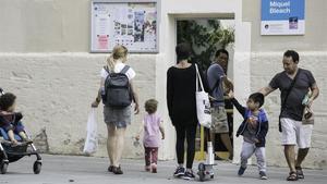 Les famílies denuncien que la mala planificació deixa nens de P3 fora de la pública a Barcelona