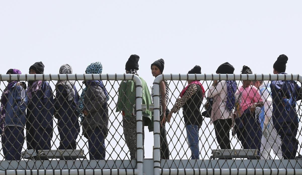 Els alcaldes italians, en peu de guerra contra Salvini pel tracte als immigrants