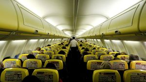 Interior de un avión de Ryanair.