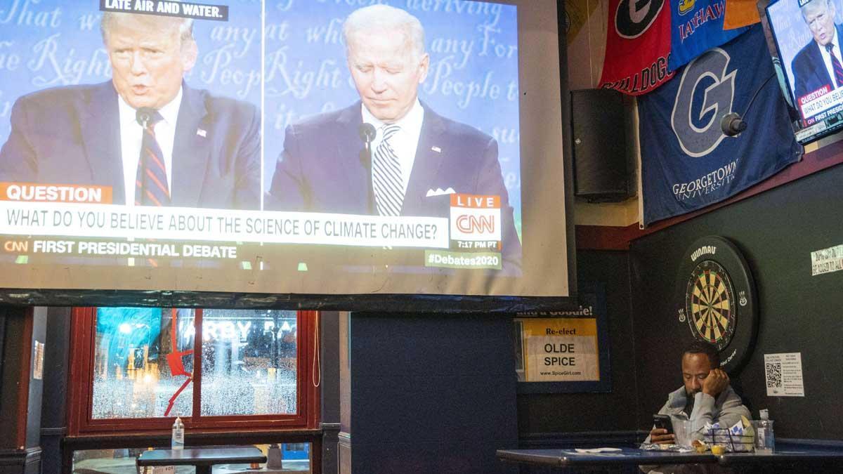 Trump intenta desorientar a Biden en un primer debate caótico y agrio.