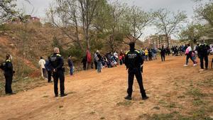 Denunciades més de 50 persones per un pícnic il·legal a prop del camp de futbol Vidal i Barraquer de Badalona