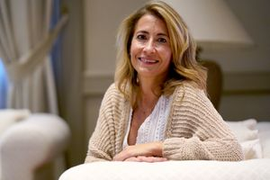 La ministra Raquel Sánchez, posa tras la entrevista.