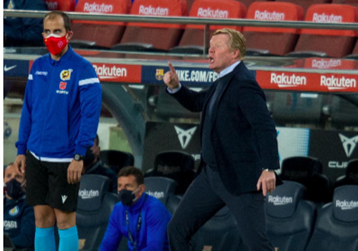 Koeman se enfada con Mingueza en la segunda parte del Barça-Getafe.