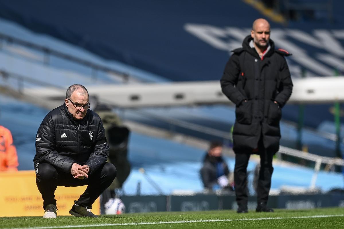 Bielsa y Guardiola observan el City-Leeds en el Etihad Stadium de Manchester.