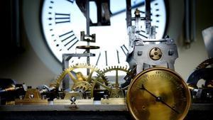 Sindicatos e inspectores de trabajo critican por ambiguo el decreto de registro de jornada