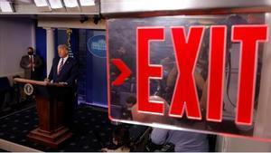Trump desafía el proceso electoral mientras se reducen sus opciones de ganar. En la foto, el presidente de Estados Unidos, Donald Trump, en la sala de prensa de la Casa Blanca en su segunda aparición pública tras las elecciones.