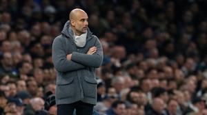 Guardiola observa el juego durante el Tottenham-Manchester City de la Champions.