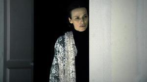 Ariadna Gilen una escena de 'Jane Eyre' en el Lliure de Gràcia.