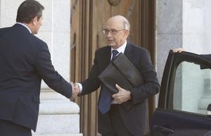 El exministro Cristóbal Montoro, a su llegada al Supremo.