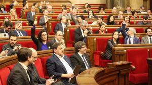 """La oposición aplaude el dictamen contra el referéndum y considera que """"desautoriza"""" la vía unilateral"""