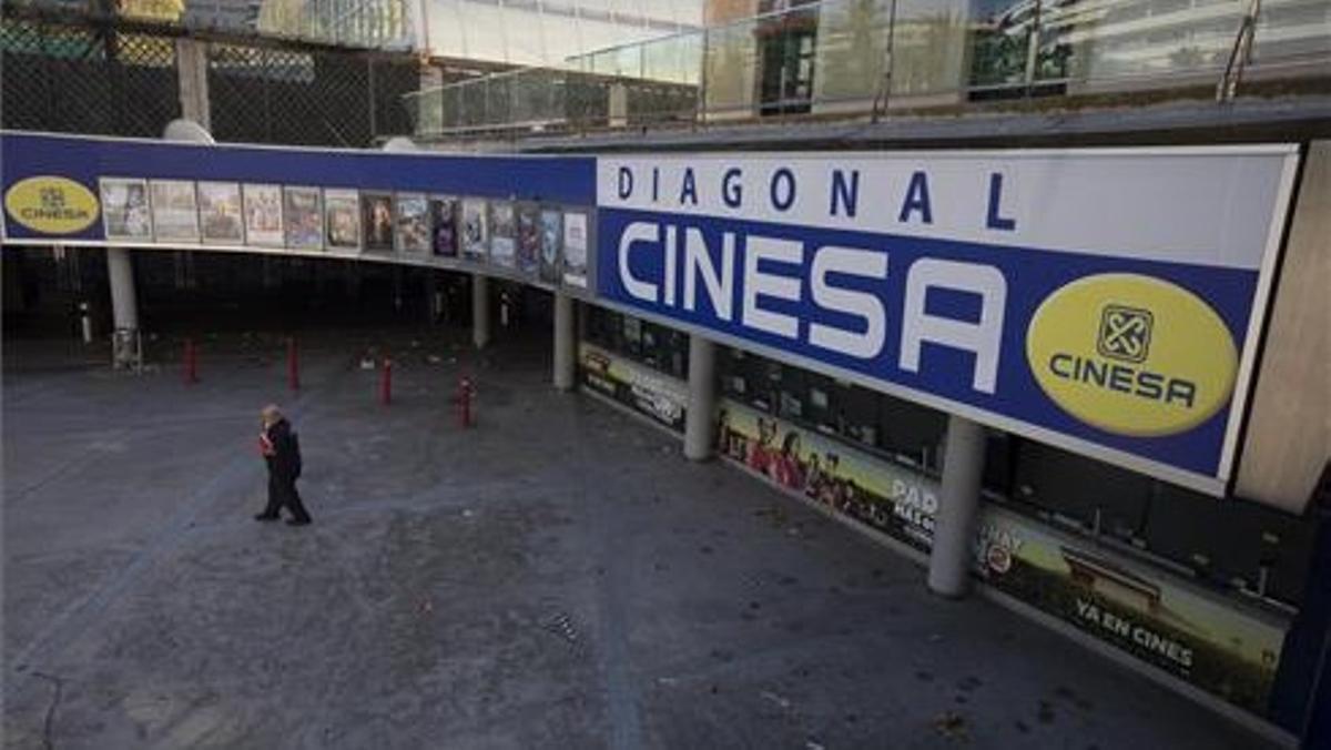 Las salas de cine de Cinesa Diagonal de Barcelona, cerradas por la normativa anticovid de noviembre pasado.