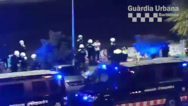 Desalojada una fiesta ilegal en la Zona Franca de Barcelona