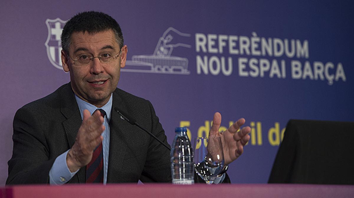 El presidente azulgrana, Josep Maria Bartomeu, presenta los resultados del referendo y valora la victoria del 'sí'.