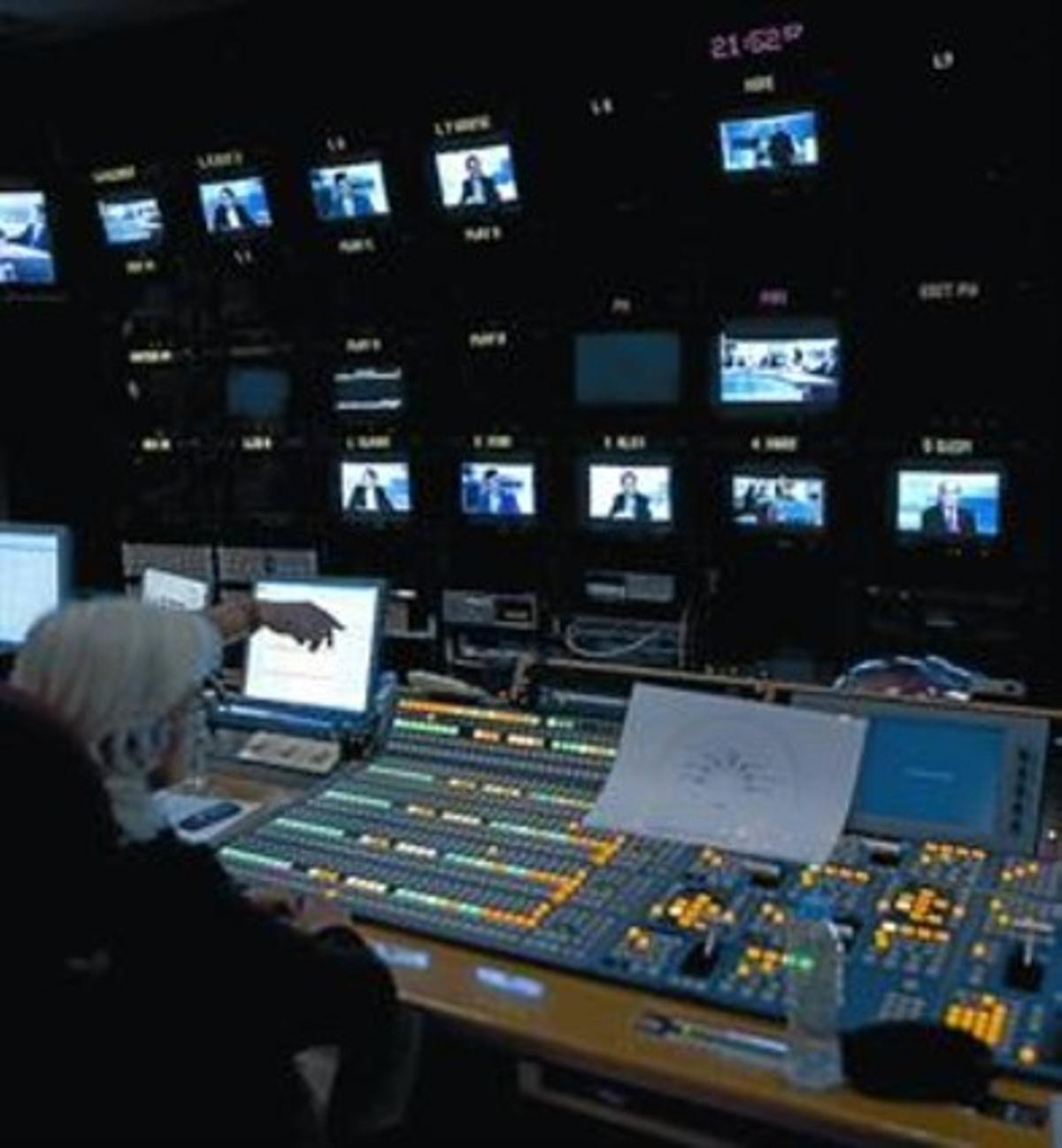 Control de realización de TV-3, en Sant Joan Despí.