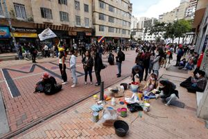 Manifestantes se reúnen en el centro de Bogotá-