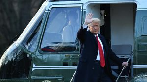 Una de las últimas apariciones públicas de Donald Trump viajando en helicóptero hacia su residencia en Mar-a-lago, saltándose el acto de inauguración para el presidente Biden el 20 de Enero de 2021