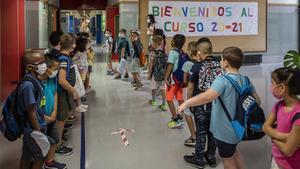 Alumnos de la comunidad valenciana, en su primer día de colegio.