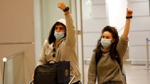 Electronic bracelets for COVID quarantine at Ben Gurion airport