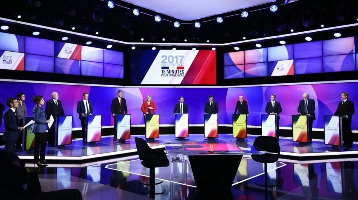 Vista general de once candidatos a las elecciones presidenciales francesas en el debate del pasado jueves.