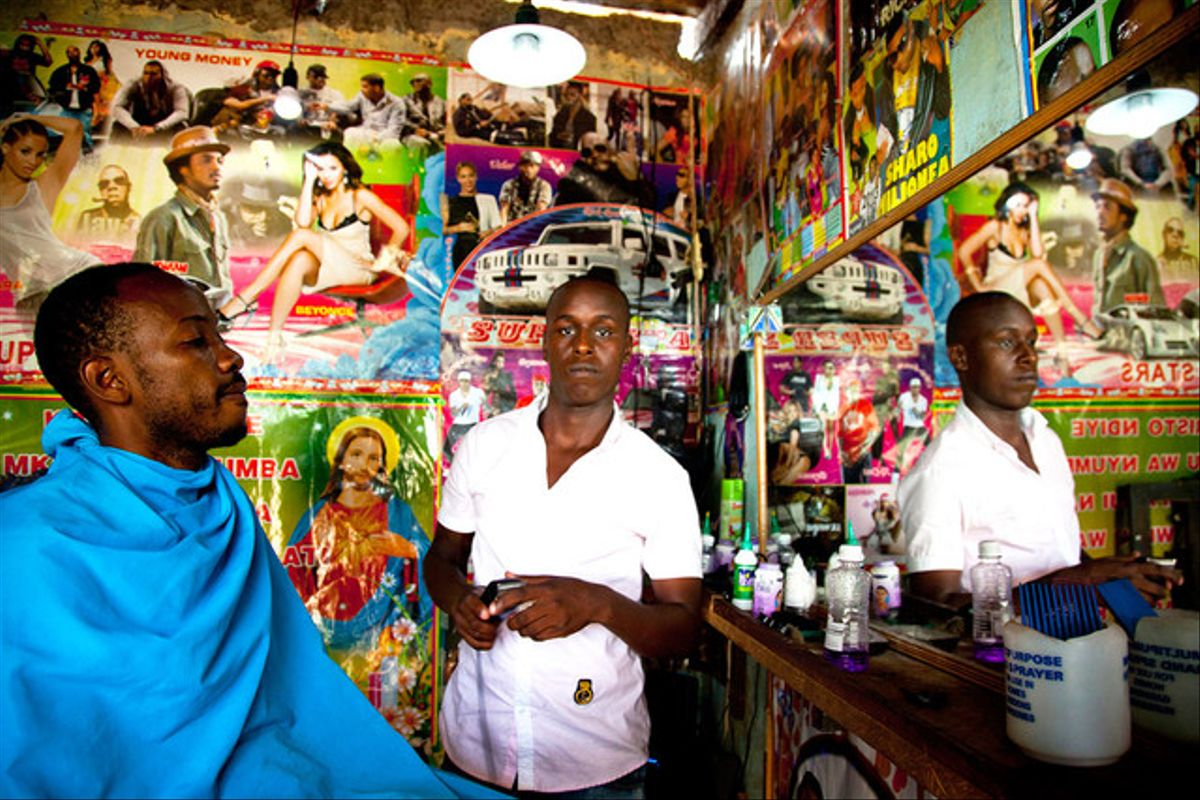 Frankis Nasare, peluquero, Arusha, Tanzania