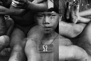 La fotografía que protegió a los indígenas yanomami: Claudia Andujar en el KBr. El conservador de fotografía de la la Fundación Mapfre, Carlos Gollonet,da las claves de la muestra de Andujar. En la foto, imagen de la serie 'Marcados', Brasil, 1983.