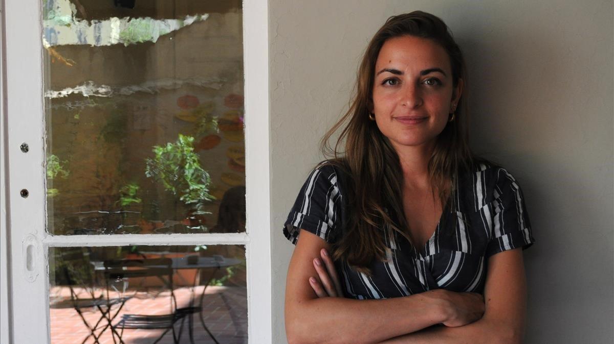 Irene Solà, en la librería Laie de Barcelona.