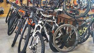La pandèmia deixa sense existències les botigues i els tallers de bicis de Manresa