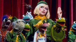 Debbie Harry (Blondie) con algunos amigos muppetienses.