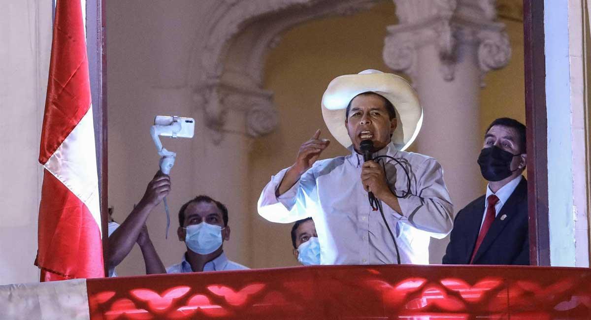 Castillo, durante una intervención ante sus seguidores este sábado en Lima.
