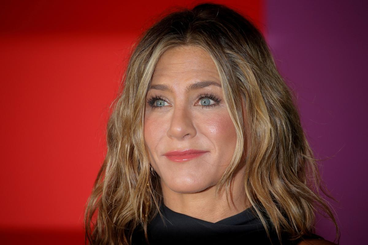 Jennifer Aniston llança la seva pròpia línia de bellesa en un mercat ple de famoses